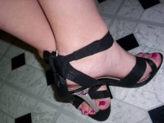 beautiful feet very pretty toes