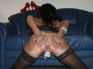 Yes, that is a nice spread!!! Really nice!!! Would love to cum all over your butt :-P