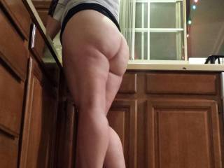 I would love to have a few sets of manly hands rubbing, touching, and groping me, kissing me, and getting ready to take turns cumming inside me