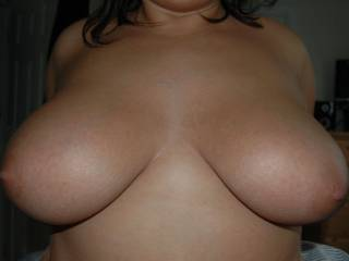 I like to play whit you huge tits.... I like to lick, bite them and fuck them. And then cum all over them;-)