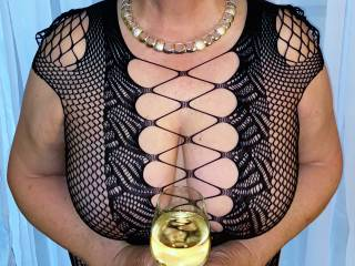 Big boobs and wine on a rainy day! Let\'s play inside Zoigers!