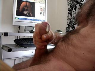 cumming to a girl on cam