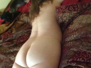 She is so sexy very erotic, wish II could fuck that beautiful ass