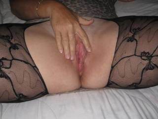 my cock is twitching looking at you and those beautiful legs in stockings too!