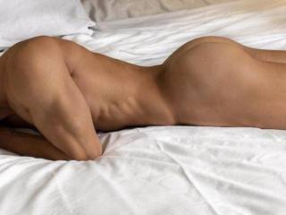 Tired, long week that can kiss my ass! It's finally Friday! Need a lady friend/fuck buddy to recharge with…