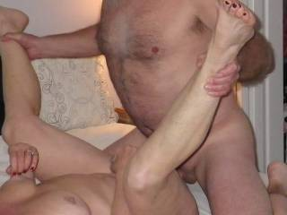 Let's make it a interracial threesome with me what a hot sexy couple mmmmmm