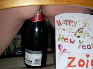HAPPY 2009! To all you people who mess with MNDUK in Zoig Chat ... bend over .. and take it ...Pls Vote x x x x