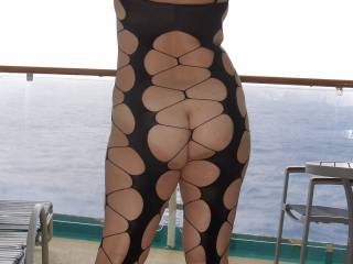 Anything that highlights that amazing ass is greatly appreciated,  more plz