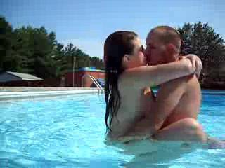 havin some great sex in the pool with the luscious and sexy gf