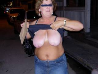 Flashing my 40DD\'s for the guys on the street