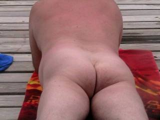 damn nice back side... awsome butt... love how ur cheek are cliching... great pic...