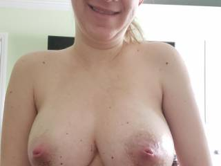 Wife with not only big, but very firm tits! 👍🏻