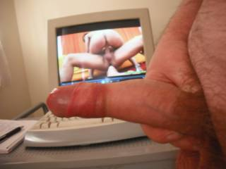 What a fantastic lucky guy, fucking some floozie while another simultaneously licks his tight sweaty asshole.  Who wouldn\'t want to have a good long wank while gazing on such a hot and horny porn scene???