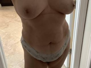 Wife showing boobs