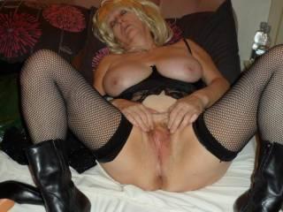 slut wife Ann ready for cocks