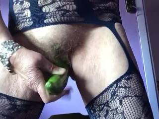 Fucking y hairy  pussy with cumcumber