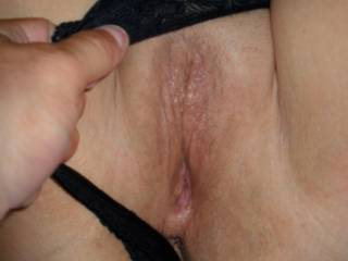 hot wet pussy just waiting for a lady or couple to lick it