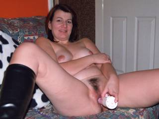 I like a girl using a toy on herself whilst I use another one of her fuck holes to deposit my hot gooey cock cream.