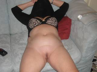 thats a gorgeous body, and the best pussy ive seen. id love to go down on you there and lick you out for ages then slide my big hard 18 year old cock between your legs. if your interested message me ;)