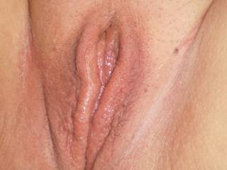 mmmmm fantastic pussy..i wanna lick your pussy lips,suck your clit and put my tongue in your deep vagina..