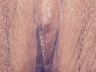 Luv to feel her wet lips wrapped around my thick cock! !