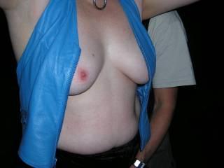 I'd love to tweak those nips as your hands get to work down below :)