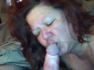 my cheating ex wife giving me blow job just the way i like it ,,,she didnt know i knew about her infidelity ....i told her give me a vid so i can J,O while she gone away on BUSINESS divegirl1