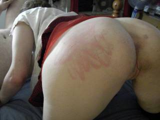 Mmmm the harder the better I think! Love to spank myself.