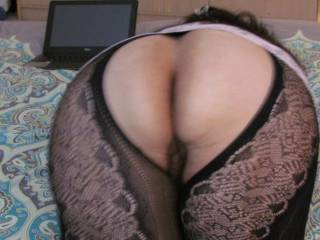 I am a beautiful lady from Peru who just love for guys to see MY BIG ass and jack off on it. I also love for guys too jack off on my face. I love sucking DICKS.