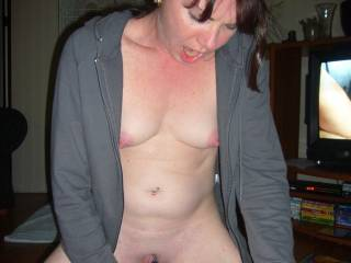 very sexy, beautiful pic, makes me hard as a rock would luv to work with you and make you cum a whole lot, incredible turn on
