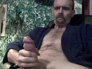 I always wanted to see what I would look like if I was to preform a video. For some reason I like to watch my face when I ejaculate and would like your opino of the way I look to you?