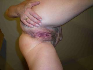 WHAT A MASSIVE HOLE SHE HAS.  -- I don't think I could feel anything fucking that it's so big :-)