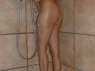 WOW!!!!!  SEXY BODY!!!  mmmmm........  I would love to join you. Does your back need washing?