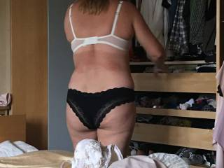 Wife getting dressed in the morning. Love watching her and sharing. Anyone want to strip and use her for me? x