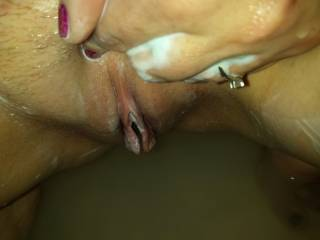 Love to feel hard cock slide in and out of my sexy smooth pussy