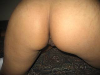 love that brown pussy and ass. wanna suck on those pussy lips, tongue her asshole too!