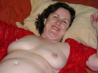A very sweet smile and great nipplesa. It would be so eazy to to make love to you.