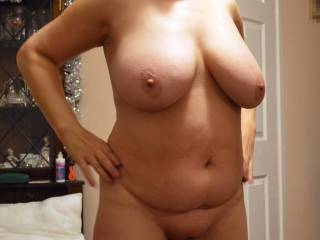 I'd love to get my hands on her beautiful big tits!