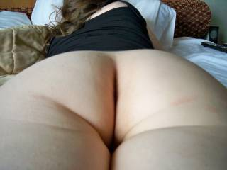 I love your photos, six wonderful one, a lot sexy, your sublime body thanks for the pleasure that mine you have given, You have a lovely body, with yous breasts and pussy looking so touchable! Give me more, please!