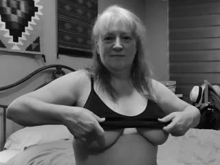 """Femme Sexuelle - Noir et Blanc Classique: """"I Want You To Run Your Tongue Across My Nipples"""""""