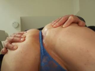i,d love to cover your ass in those slut panties with my cum mmm xx