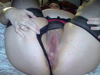 oh I so love looking at her cunny tunnel deaming how I love to ease my stiff cock in and be fucking her as I hear her moaning and feeling her wriggling fucking my cock mmmm