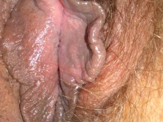 I'm taking pics of my fat pussy and pussy lips ............