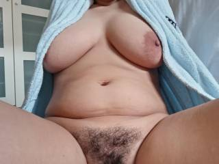 Hairy pussy and big tits