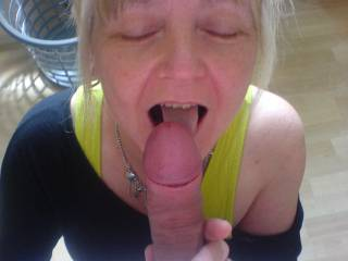 met on line...love fucking older women watch them enjoying a big cock...x