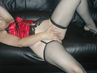 ~wide grin~ i wouldn't be able to just sit and watch for very long before i'd want to stand next to you and stroke my hard cock and watch!