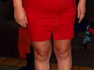 Wife try on her new skirt.........