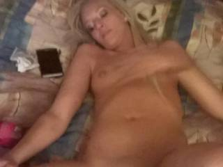 Love seeing another sexy chick from the Show Me State. Would love to fill you all the way up and leave a thick hot load of cum on those tits.