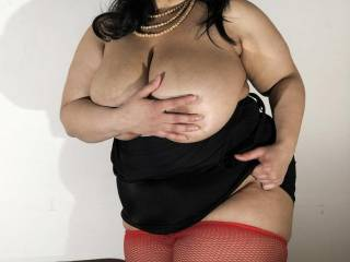 So hot love your sweet lady curves please post more have me standing at attention!!