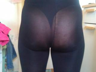 I can't believe this pic has been here a year and never got any comments! It's a really sexy photo, her ass looks absolutely awesome in those thick pantyhose.